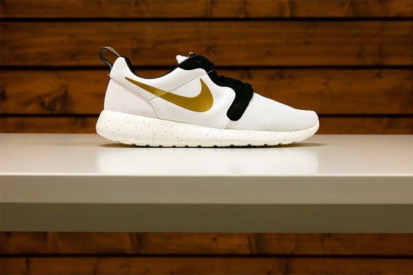 nike-nsw-2014-gold-trophy-pack-5