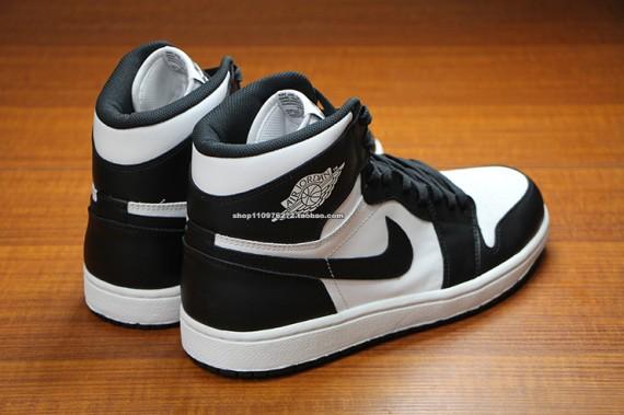 air jordan-1-black-white-3