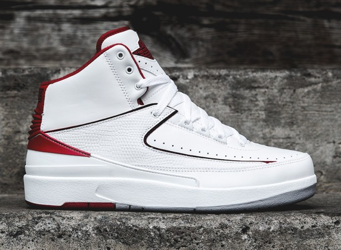 air-jordan-2-retro-white-red-0