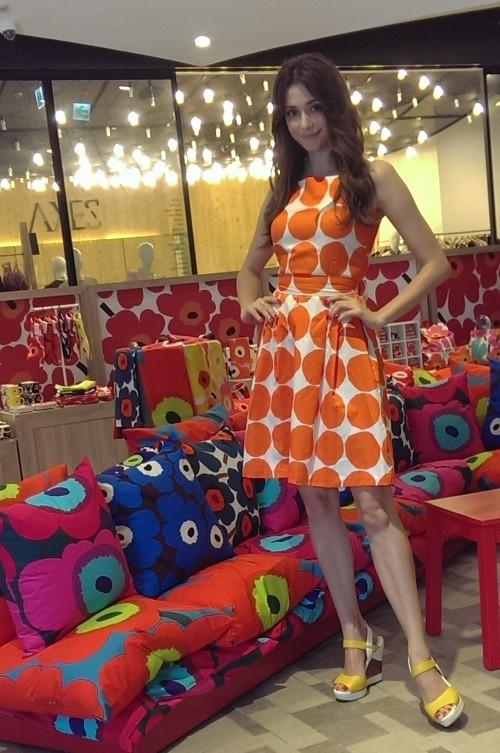 瑞莎著marimekko 圖紋洋裝現身marimekko  Pop-up Store (2)