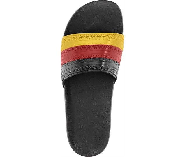 adidas Originals Adilette (Flag Pack) NTD 1,290_D65796