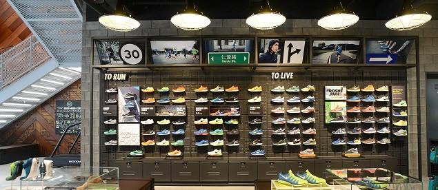 Nike 臺北 Neo19 跑步體驗店一樓為男性專屬空間,提供完整的跑步及運動生活系列產品