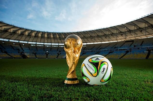 adidas正式揭曉2014年巴西世界盃決賽指定用球「Brazuca Final Rio」。7月13日決賽舞台上較量的兩支世界勁旅,將會使用這顆王者足球決戰里約,為歷史寫下新頁。