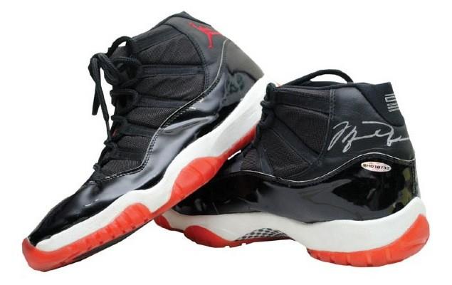 air-jordan-xi-11-black-red-bred-game-worn-1996-finals-01