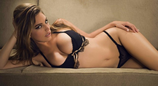 Kelly-Brook-Lingerie-640x350