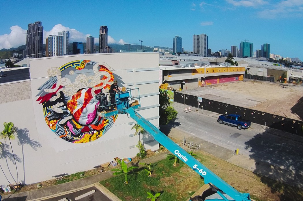 pow-wow-hawaii-x-versace-mural-by-tristan-eaton-17
