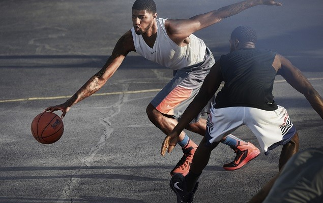 Nike Hyperdunk 2014 是為了抵擋夏季酷熱、滿足透氣需求而打造的的室內、室外兩用型完美籃球鞋