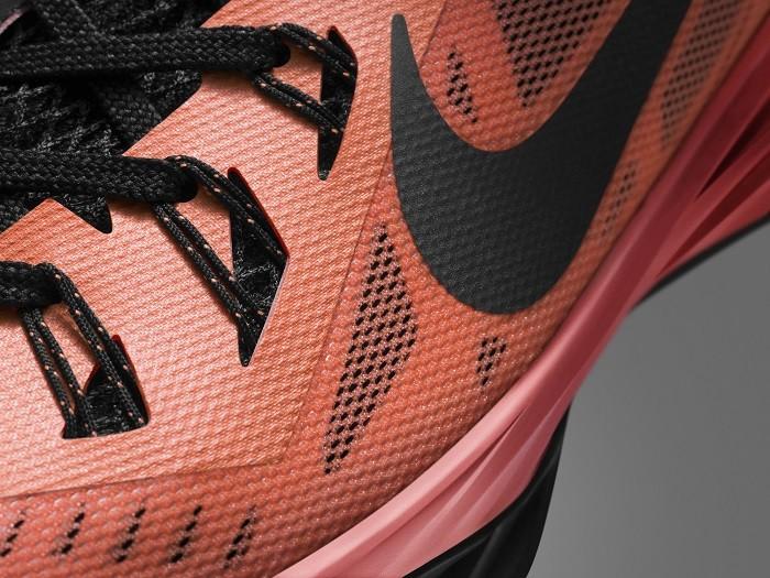 Nike Hyperdunk 2014 鞋面透過Hyperfuse 構造與Flywire技術實現輕盈 透氣 耐穿與良好支撐功能性