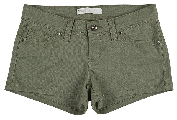 海軍綠休閒短褲率性打造個性舒適的夏日風格