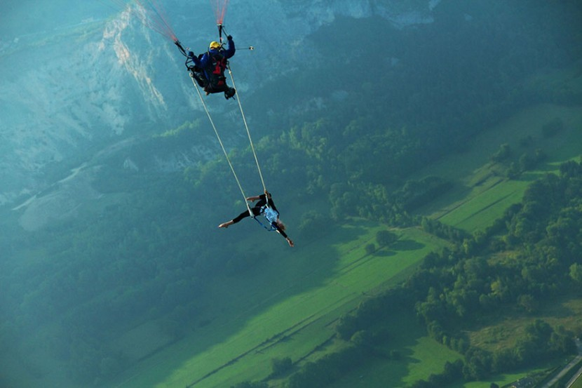 adaymag-30-death-defying-photos-will-make-heart-skip-beat-21-830x553