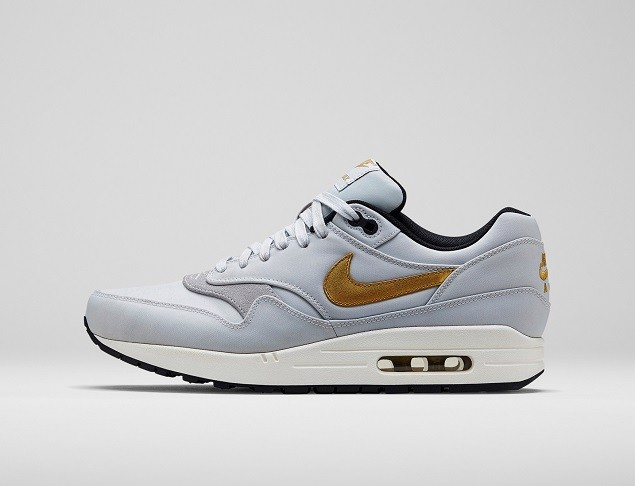 Nike Air Max 1在三月底的誕生慶典之後,這雙全球聞名的運動鞋又增添了與第1相稱的冠軍金色設計