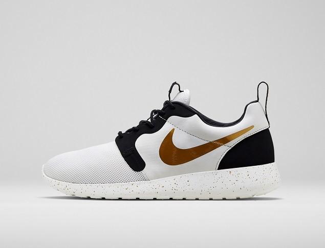 Nike Roshe Run HYP採用Nike Hyperfuse結構,打造集耐久性、透氣性和支撐性於一體的優質球鞋