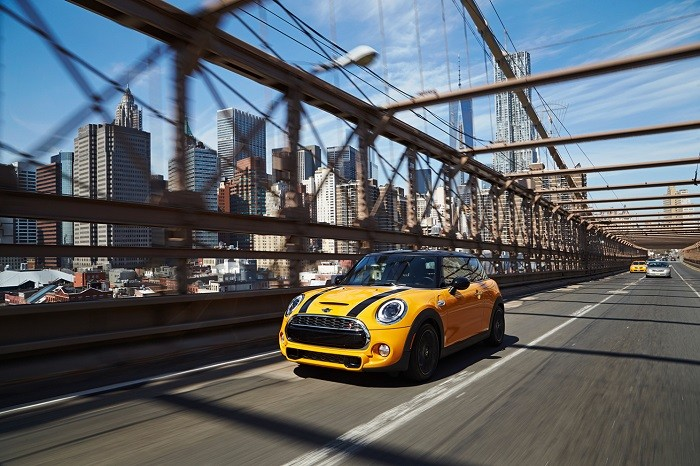a-closer-look-the-2015-mini-cooper-s-hardtop-3