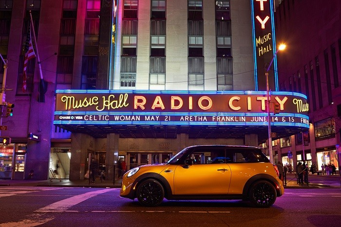a-closer-look-the-2015-mini-cooper-s-hardtop-6