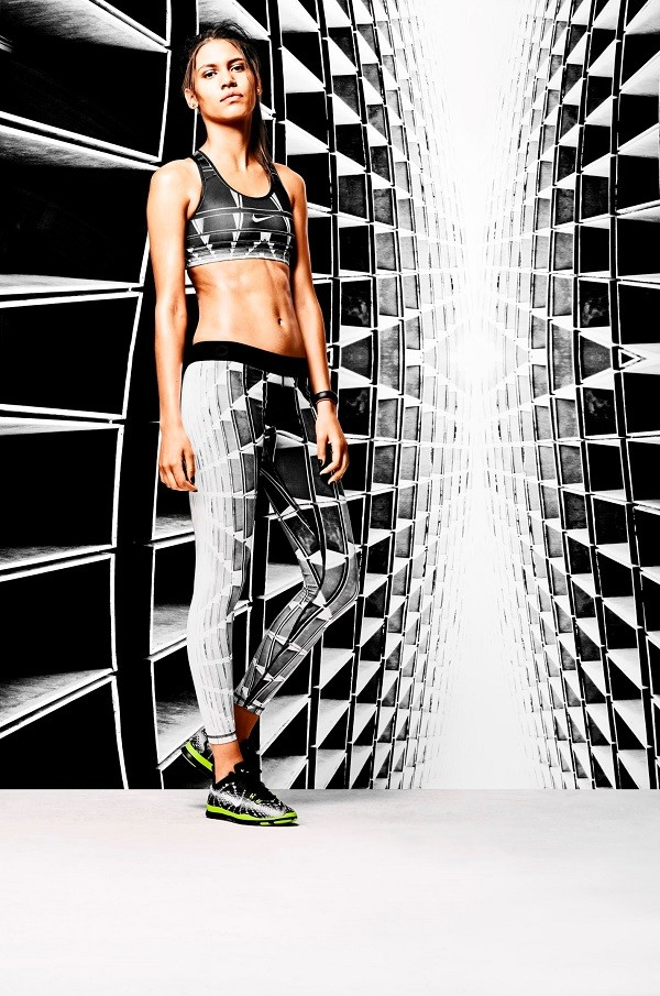 Nike女子設計團隊利用運動者的身體資料,顯示出她們的肌肉和冷熱反應區所在位置,突顯腿部區域,呈現令人驚豔的時尚感