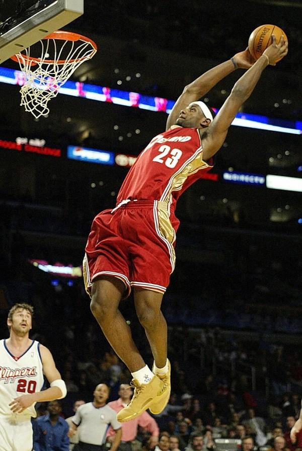 lebron-james-cleveland-cavaliers-2003-06