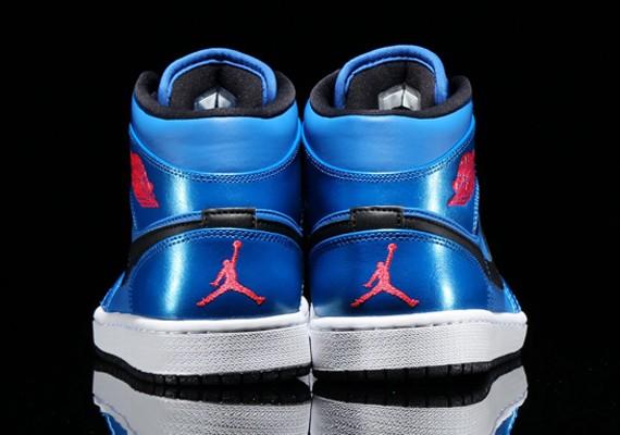 air-jordan-1-mid-sport-blue-4
