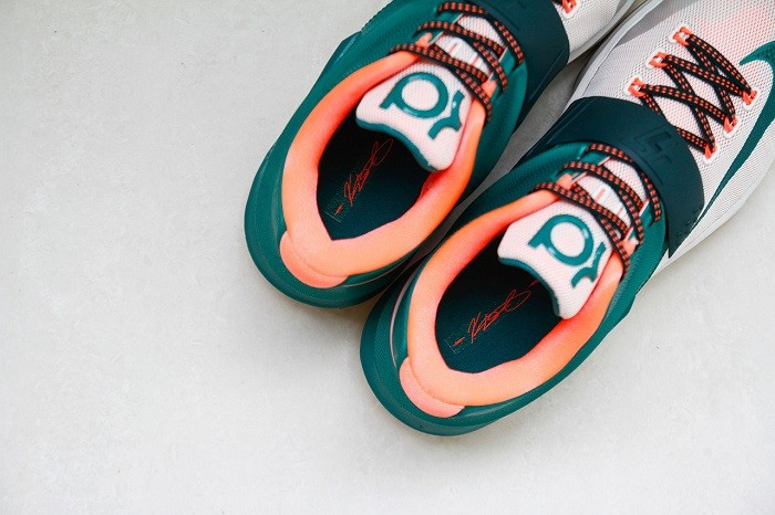 a-closer-look-at-the-nike-kd7-easy-money-6