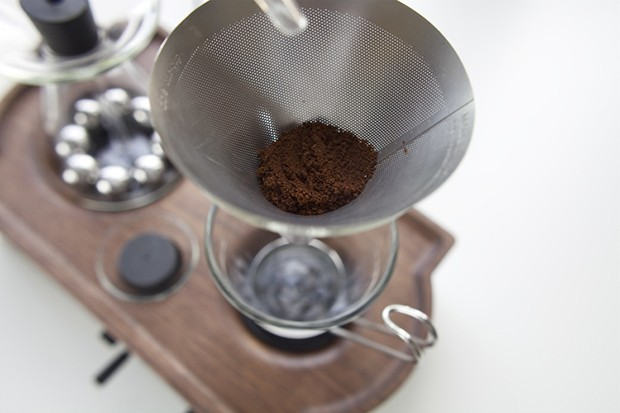 the-bariseur-alarm-clock-and-coffee-brewer-4