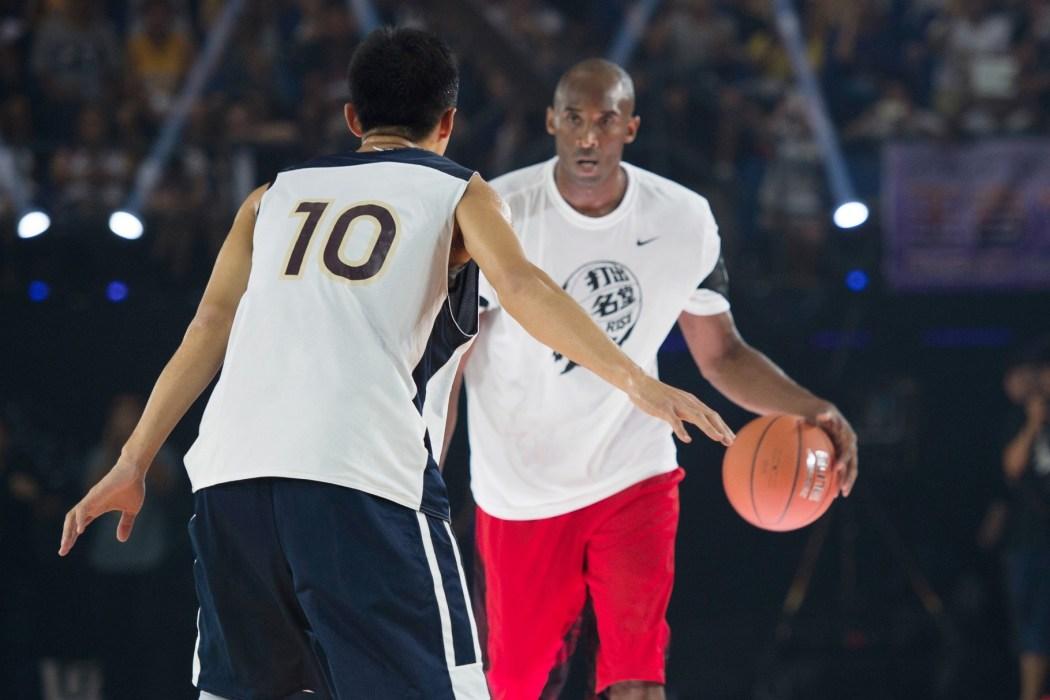 "Kobe對於李觀洋渴望勝利的性格十分欣賞,高興地說:""那就是'黑曼巴'的精神!"