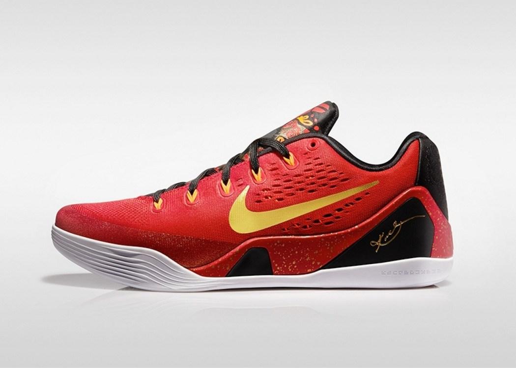 Kobe親自發表中國版Kobe IX China Pack,鞋身使用紅色和金色的搭配,呈現出雍容華貴的質感