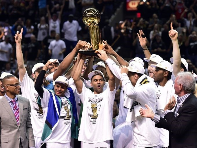 1402888631000-2014-06-15-Heat-Spurs12