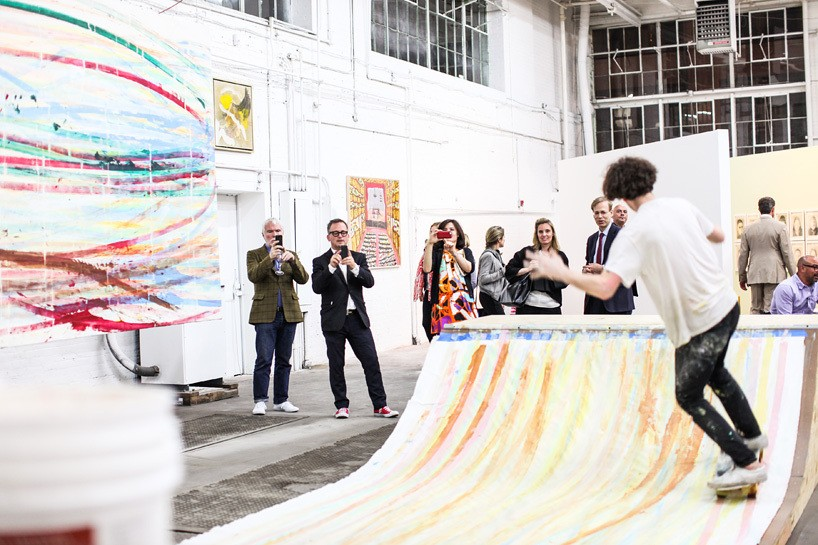 matt-reilly-skateboard-painting-at-mana-contemporary-6