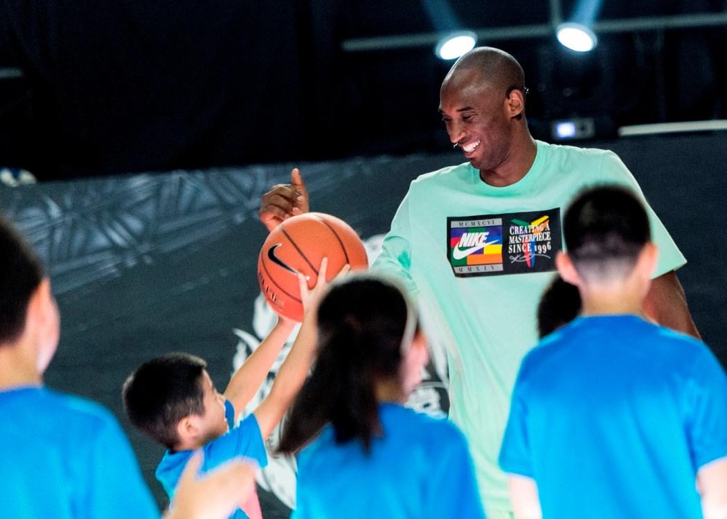 Kobe Bryant表示:現在,運動對孩子來說太重要了,在運動中能學到的東西是課堂上、在書本中都學不到的