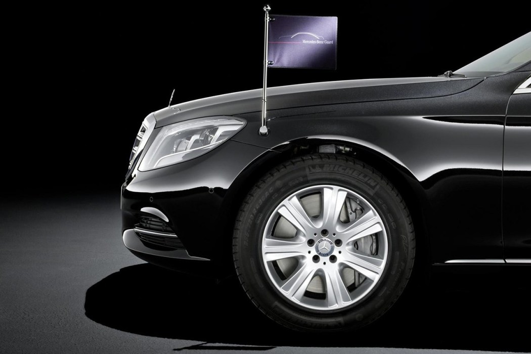 mercedes-benz-reveals-the-amored-s600-guard-3