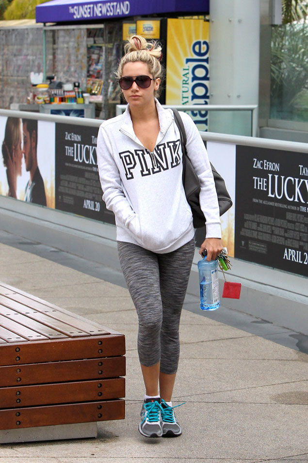 ashley_tisdale_in_grey_legging