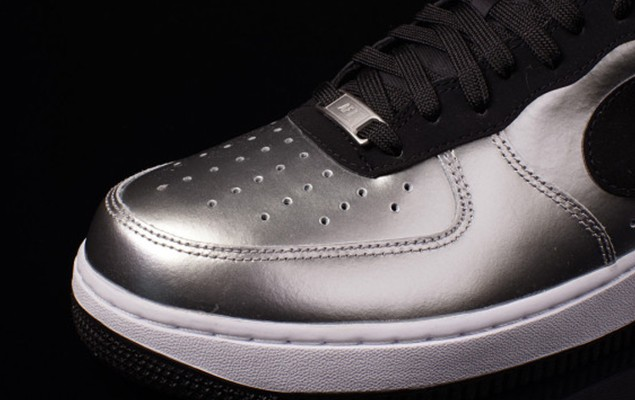 nike-air-force-1-low-metallic-silver-black-white-03-570x410