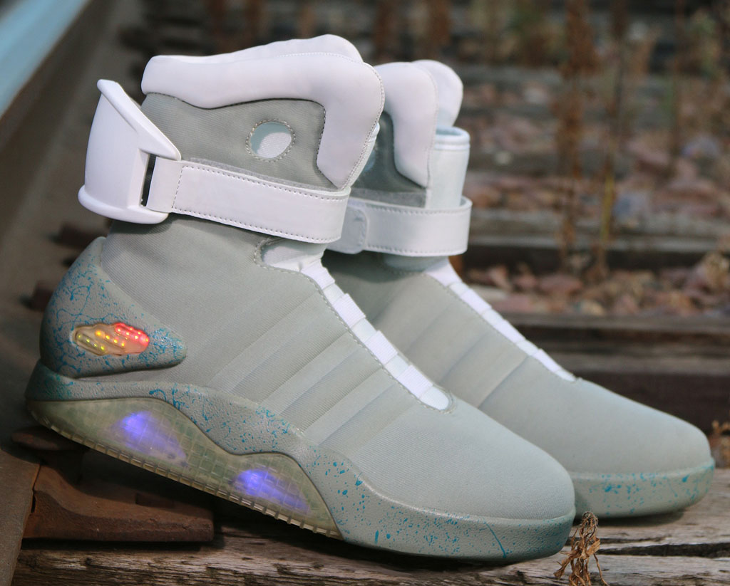 nike-mag-back-to-the-future-costume-shoes-03