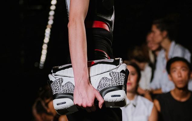 alexander-wangs-womenswear-2015-spring-summer-collection-goes-sneaker-inspiration-5