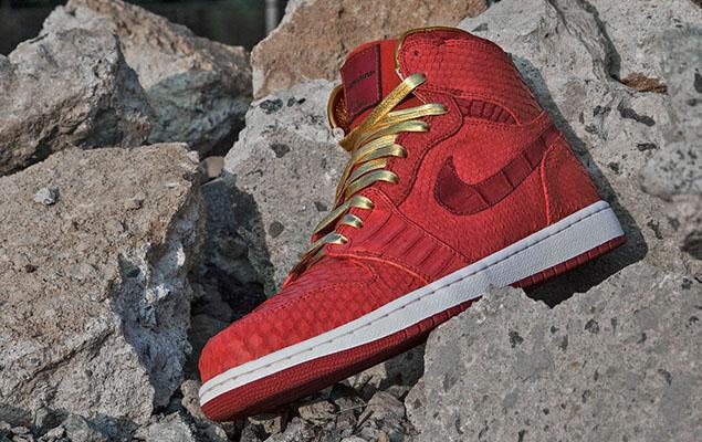air-jordan-1-red-python-sueded-croc-by-jbf-customs-2-960x640