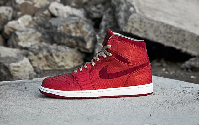 air-jordan-1-red-python-sueded-croc-by-jbf-customs-1-960x640