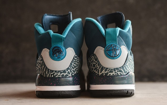 jordan-spizike-space-blue-tropical-teal-fusion-pink-5