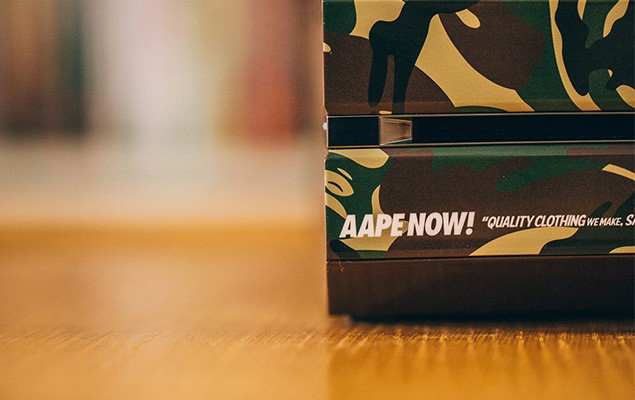 a-closer-look-at-the-xbox-one-aape-by-a-bathing-ape-editiona-closer-look-at-the-xbox-one-aape-by-a-bathing-ape-edition-3