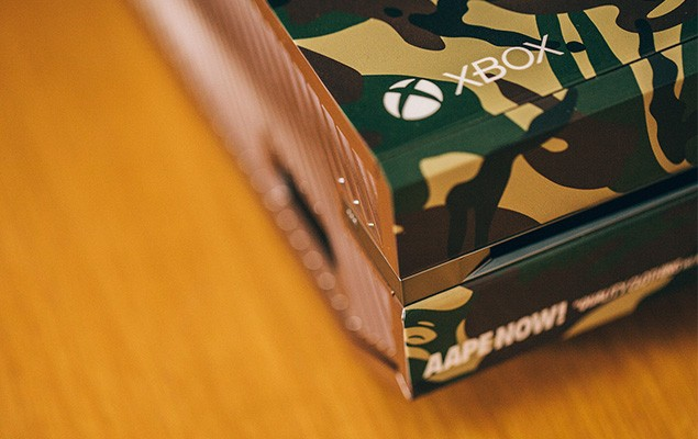 a-closer-look-at-the-xbox-one-aape-by-a-bathing-ape-edition-4