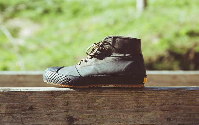 stussy-livin-general-store-x-moonstar-2014-fall-winter-rain-boots-1