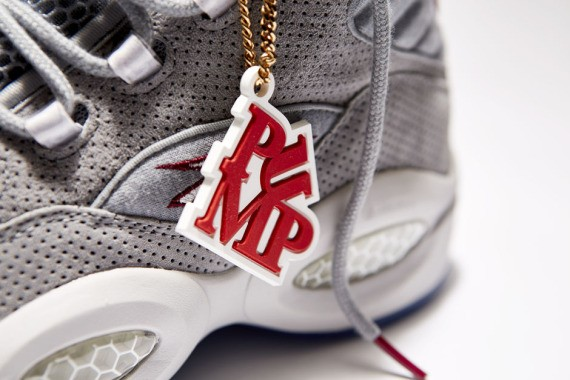 villa-reebok-pump-question-mid-05-570x380