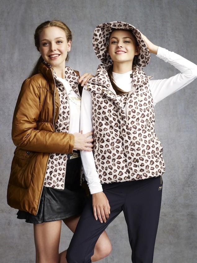 03_衍縫工藝交織豹紋,系列呈現於背心、外套及遮陽帽,再現摩登懷舊60年代風貌