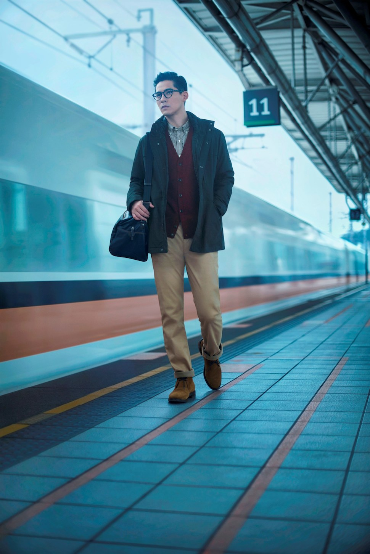 UNIQLO男裝保暖褲系列今年推出保暖輕便褲、防風牛仔褲、及卡其褲系列,無論騎車外出、逛街旅行、商務通勤,都可以輕鬆穿搭。