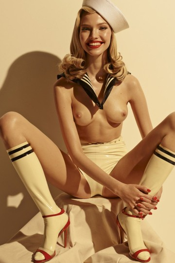 a-look-inside-the-2015-pirelli-calendar-5