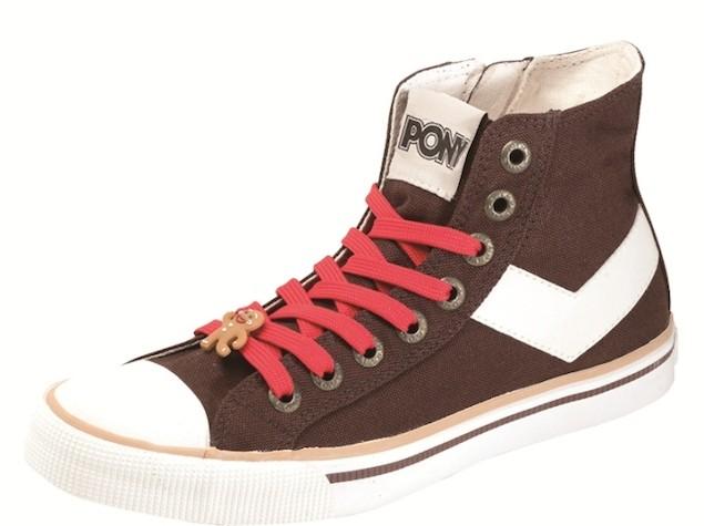 以薑餅焦糖色作為鞋身基底,採用適合冬季的中筒設計搭配內腰拉鍊,讓穿了厚襪的你在穿脫之間更easy!