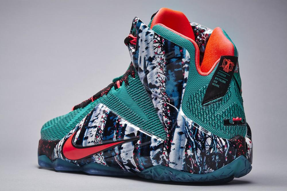 nike-basketball-2014-christmas-sneakers-02