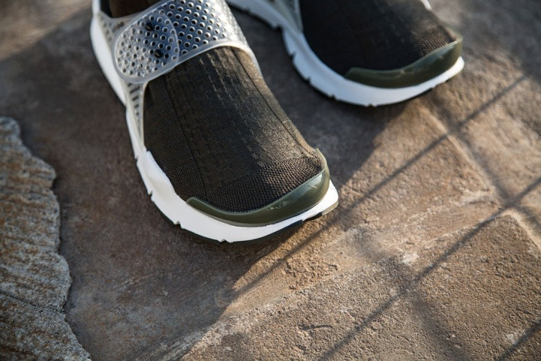 a-first-look-at-the-fragment-design-x-nike-sock-dart-51
