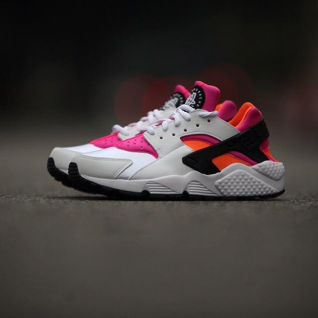 nike-air-huarache-white-pink-orange.jpg_03