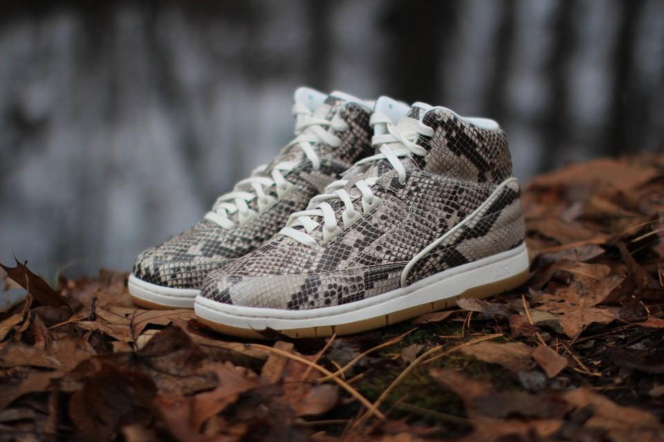 nike-air-python-brown-white-gum-1-960x640
