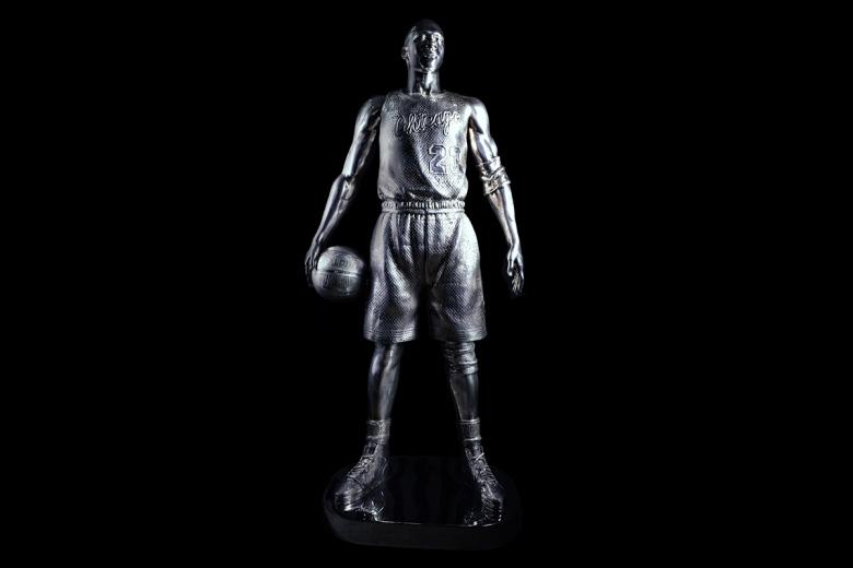 limited-edt-x-jahan-loh-full-metal-twenty-three-life-size-sculpture-2