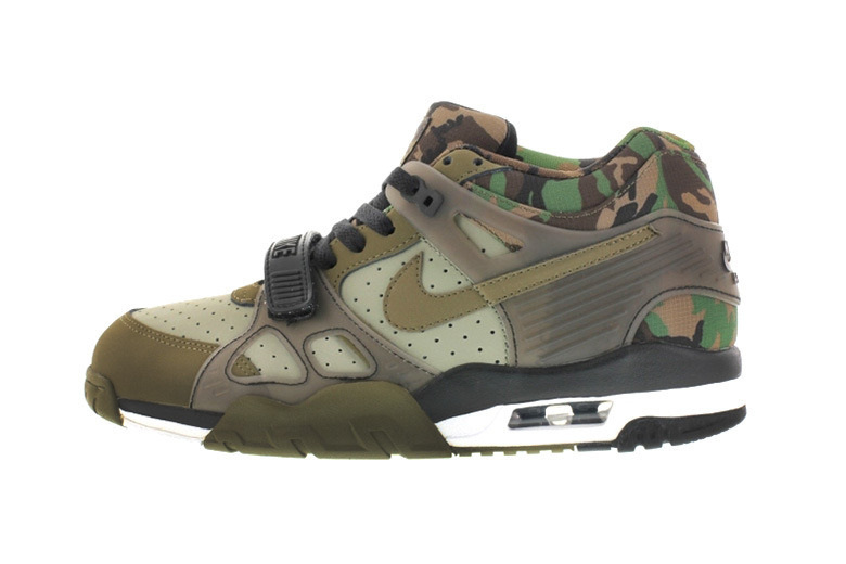 nike-air-trainer-3-jade-stone-1